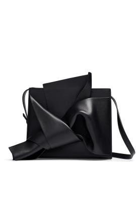 Black Shoulder Bow Bag by No. 21 Handbags