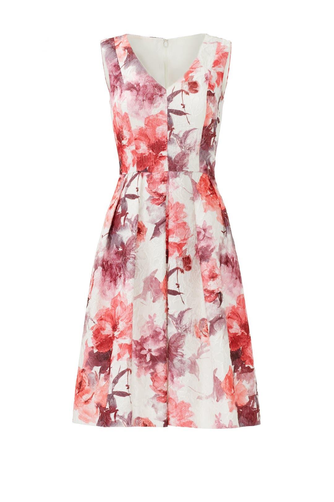 Plus-Size Dresses | Rent the Runway